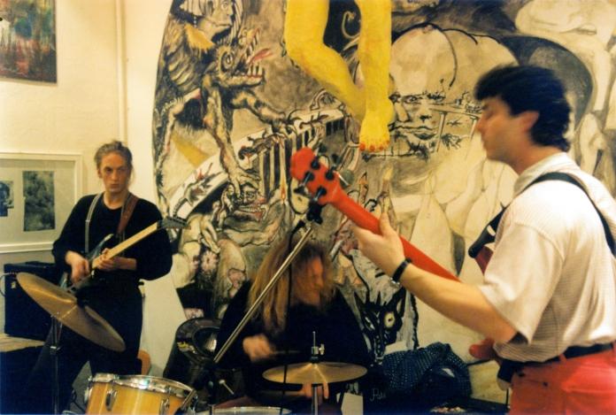 Heiliger Bim Bam 1993 – Bim Bam Band mit Tuncay Acar (Schlagzeug), Max Keller (Gitarre) und Super-Berndti (Bass)